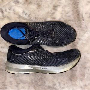 Brooks LEVITATE DNA AMP navy blue running shoes 9